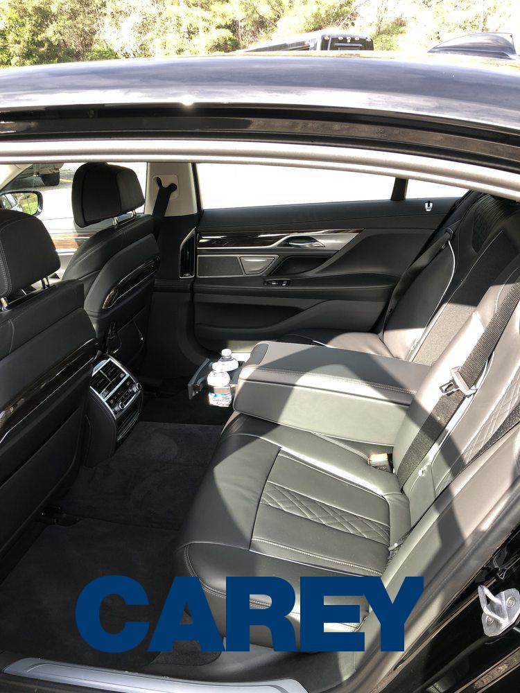 Bmw 7 Series Carey Limousine Canada Diplomatic Limousine Services Ltd